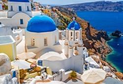 Почивка на остров Санторини през септември - перлата на Егейско море! 4 нощувки със закуски, едната в Атина, транспорт, фериботни такси и билети! - Снимка