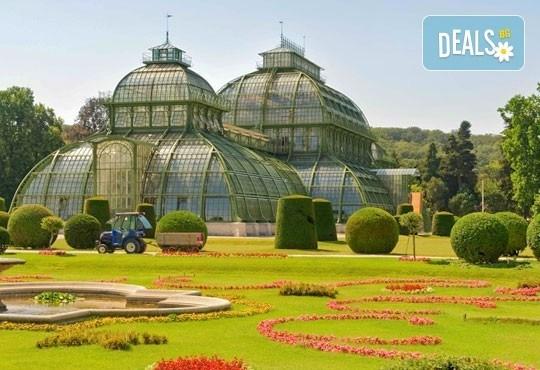 Екскурзия през май до аристократичната Будапеща и барокова Виена: 4 дни, 2 нощувки със закуски в Budapest Hotel 3*, транспорт и водач от Ана Травел! - Снимка 5