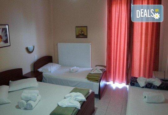 Почивка в Гърция: 7 нощувки със закуски и вечери в Denis 3*, Паралия Катерини, с/без транспорт по избор от агенция Ваканция Роза - Снимка 3
