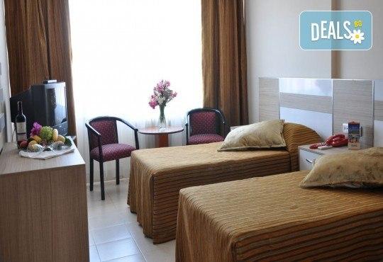 Почивка през юни в Айвалък, Турция с Дениз Травел! 7 нощувки на база All Inclusive в Olivera Resort 3*, възможност за транспорт! - Снимка 5