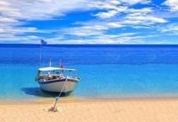 На плаж и разходка в Гърция - Аспровалта и Неа Врасна! Еднодневна екскурзия, транспорт и водач от Дениз Травел! - Снимка