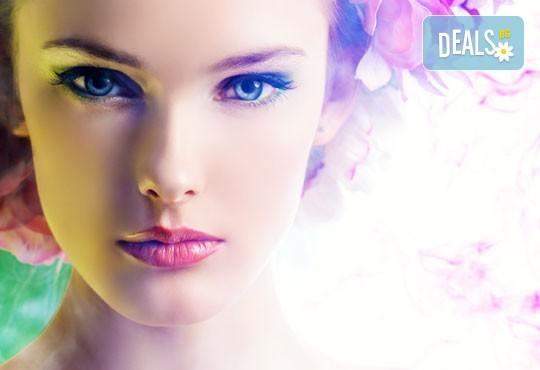 Пробна официална прическа по избор от Мария Жалова плюс грим с естествена визия в салон Ева - Снимка 2