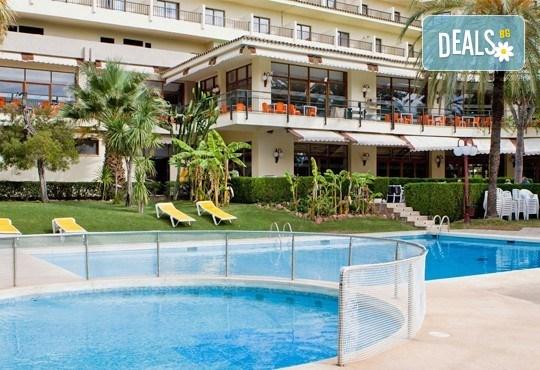 На море в Испания през септември, с Darlin Travel! 8 дни, 7 нощувки в Intur Orange 4*, пълен пансион, самолетен билет, летищни такси и трансфери - Снимка 2