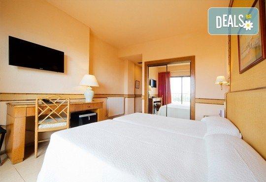 На море в Испания през септември, с Darlin Travel! 8 дни, 7 нощувки в Intur Orange 4*, пълен пансион, самолетен билет, летищни такси и трансфери - Снимка 4