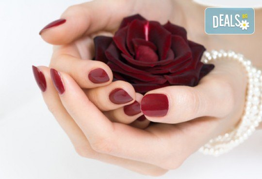Наситени и красиви цветове с маникюр с гел лак Bluesky или Elora в салон за красота Калинсим! - Снимка 2