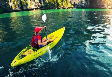 За любителите на водните спортове! Разходка или персонална тренировка с кану-каяк с инструктор в Панчаревското езеро от Canoe-Mania - Снимка