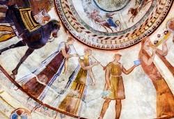 Посетете Долината на тракийските царе, Казанлък и Казанлъшка гробница с екскурзия за ден с транспорт и водач от Комфорт травел! - Снимка