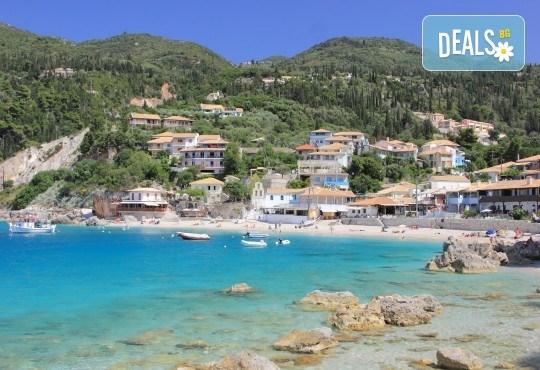 Лятна почивка на остров Лефкада, Гърция: 4 нощувки със закуски и вечери в Politia 3*, възможност за круиз, програма и транспорт от Анатравел! - Снимка 4
