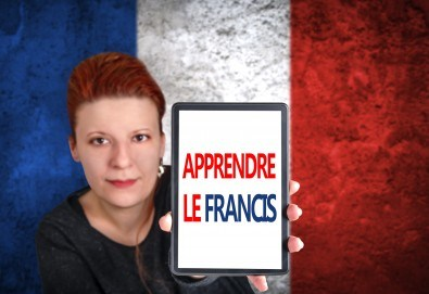Надградете знанията си с урок по разговорен френски за владеещи минимум ниво А2 с продължителност 40 минути в La Scuola language school - Снимка