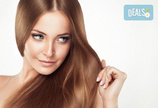 Регенерираща, подхранваща, анти-ейдж терапия за коса с Коластра и подстригване на връхчета от Gold Beauty! - Снимка 1