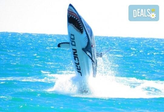 Уникално и единствено по рода си 15-минутно гмуркане с най-новия атракцион Акула в Слънчев бряг - Снимка 1