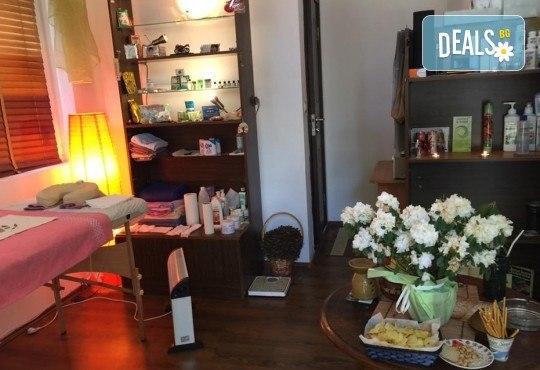 Заредете се със здраве! Опитайте масаж на цяло тяло и точков масаж и моксотерапия от масажно студио Дилянали - Снимка 3