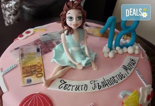 За момичета! Красиви детски торти за момичета с принцеси и приказни феи + ръчно моделирана декорация от Сладкарница Джорджо Джани - Снимка 44
