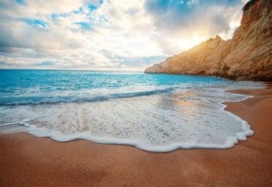 Почивка през септември на о. Лефкада, с възможност за круиз 7 йонийски острова! 4 нощувки със закуски, транспорт с нощен преход на отиване! - Снимка