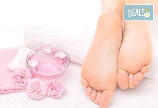 Лазерно лечение на гъбички по ноктите от дерматолог в салон за красота Make Trix! - Снимка 2