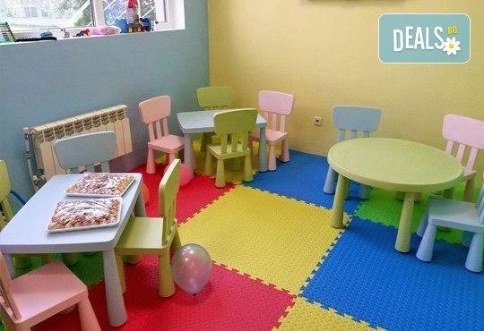 Детски празник за 10 деца! 2 часа парти с украса, аниматор, малка пица Маргарита, сокче, солети и пуканки, торта за децата и кетъринг за възрастните от Fun House! - Снимка 6