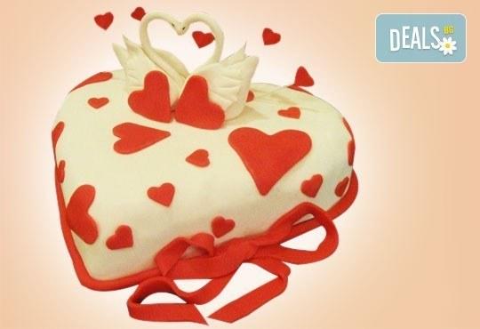 Празнична торта Честито кумство с пъстри цветя, дизайн сърце, романтични рози, влюбени гълъби или др. от Сладкарница Джорджо Джани - Снимка 13