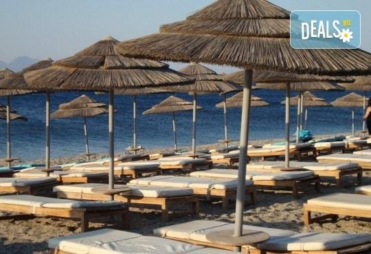 Екскурзия за един ден до красивия плаж Аммолофи в слънчева Гърция! Транспорт и водач от Дениз Травел! - Снимка 2