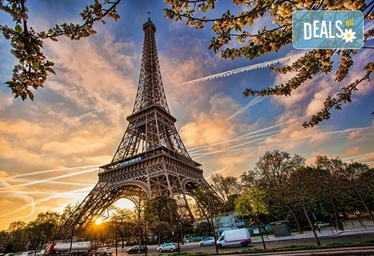Романтичен тур до Париж, Нормандия, швейцарските Алпи и италианските езера: 7 нощувки със закуски, самолетен билет и туристическа програма! - Снимка 3