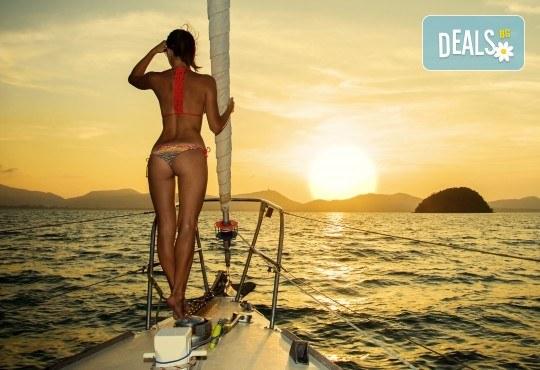 Време е за море, слънце и морски приключения! Яхта Трофи - 5 часов круиз до о. Света Анастасия, плаване, плаж и закуска на борда! - Снимка 3