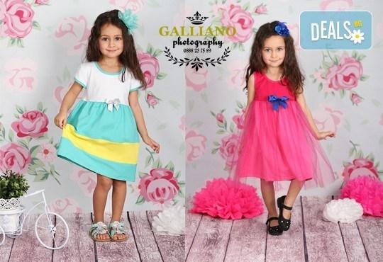 Професионална фотосесия за бебета и деца в студио с красиви декори с 35 обработени кадъра от GALLIANO PHOTHOGRAPHY - Снимка 2