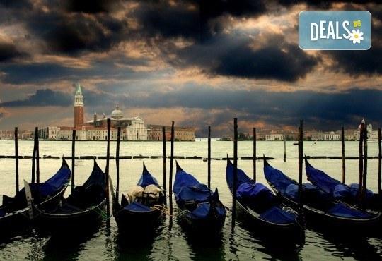 Вижте Regata Storica с екскурзия през септември във Венеция: 2 нощувки със закуски, транспорт и екскурзовод - Снимка 4