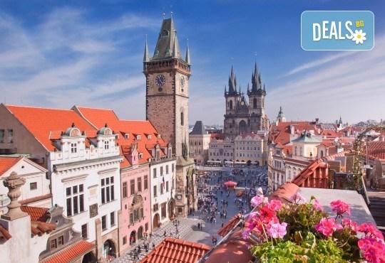 Комбинирана екскурзия със самолет и автобус до Братислава, Прага и Виена! 4 нощувки със закуски, самолетни билети, автобусен транспорт и водач от ВИП Турс! - Снимка 4