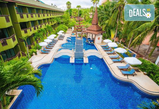 Екзотика и лукс! Почивка на остров Пукет, Тайланд, през октомври! 7 нощувки със закуски в хотел Phuket Island View 4*, билет с летищни такси, трансфери и водач - Снимка 1