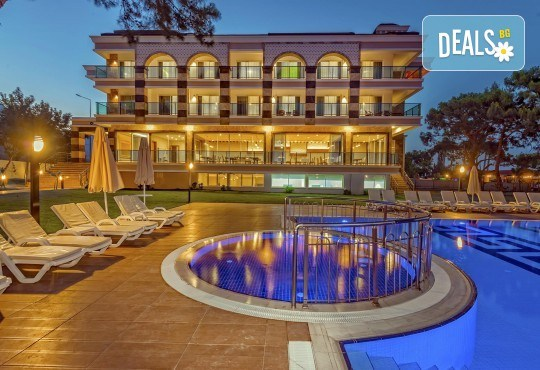 Късно лято в Grand Ring Hotel 5*, Кемер, Анталия! 7 нощувки на база All Inclusive, възможност за транспорт! Дете до 12 години безплатно! - Снимка 2