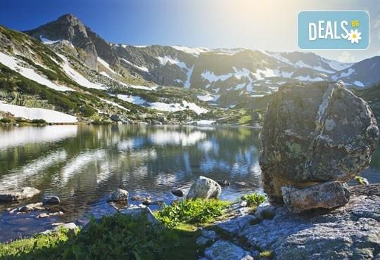 Еднодневен тур до Седемте Рилски езера - съкровищата на Рила! Транспорт от София тур и придружаване от планински водач - Снимка 1