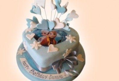 Елза и Анна! Тематична 3D торта Замръзналото кралство от 12 до 37 парчетата - кръгла, голяма правоъгълна или триизмерна кукла Елза от Сладкарница Джорджо Джани!