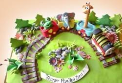 25 парчета! Детска 3D торта с фигурална ръчно изработена декорация от Сладкарница Джорджо Джани - Снимка