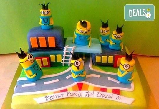 Смърфове, Миньони и Мечо Пух! Голяма детска 3D торта 37 ПАРЧЕТА с фигурална ръчно изработена декорация от Сладкарница Джорджо Джани - Снимка 2