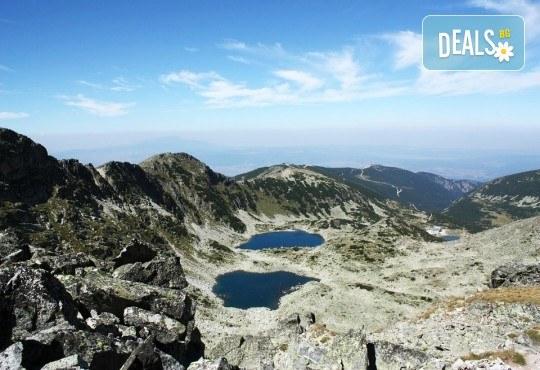 Изкачете първенеца на Балканския полуостров! Еднодневен тур до връх Мусала в Рила с транспорт и планински водач - Снимка 1