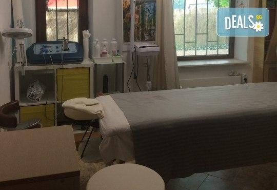 Отпуснете се и върнете комфорта в тялото си с 40-минутен лечебен масаж на гръб от ShuShe Lifestyle Center - Снимка 3