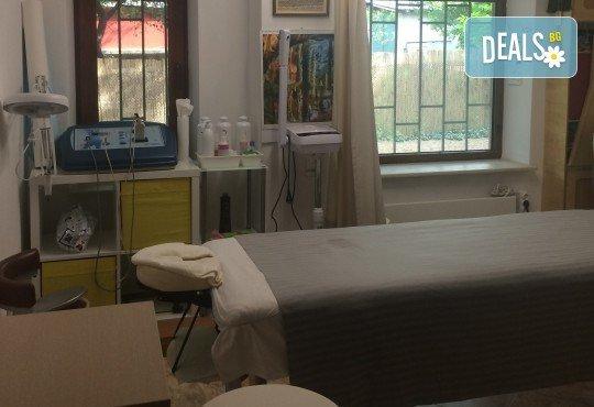 За прекрасна линия! Една или пет процедури RF лифтинг плюс вакуумен масаж на зона по избор от ShuShe Lifestyle Center - Снимка 3