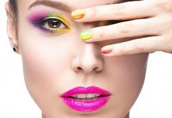Термо, класически или френски маникюр с гел лак на BluеSky или на Rec и 2 перманентни декорации в Beauty center D&M! - Снимка