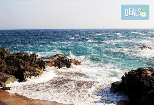 Романтика, слънце и море! Почивка през септември в Коста Брава, Испания - 7 нощувки на пълен пансион, самолетен билет, екскурзия до Барселона и трансфер - Снимка 2