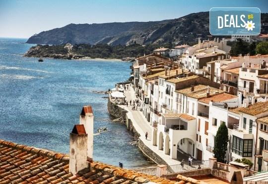 Романтика, слънце и море! Почивка през септември в Коста Брава, Испания - 7 нощувки на пълен пансион, самолетен билет, екскурзия до Барселона и трансфер - Снимка 5