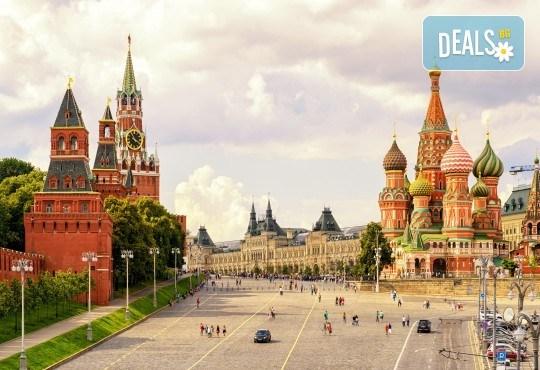 История и съвремие! Екскурзия до Санкт Петербург и Москва през юли със 7 нощувки със закуски в хотели 3*/4*, билет с летищни такси и трансфери - Снимка 1