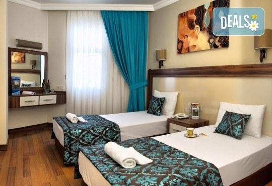 Лятна почивка в Кушадасъ, Турция! 7 нощувки на база All Inclusive във Flora Suites 3*, безплатно за дете до 12.99 г. - Снимка 3