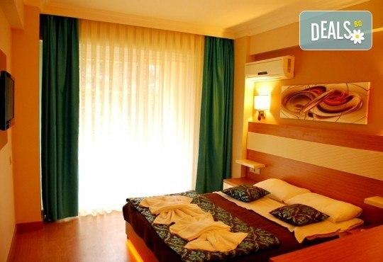 Лятна почивка в Кушадасъ, Турция! 7 нощувки на база All Inclusive във Flora Suites 3*, безплатно за дете до 12.99 г. - Снимка 4