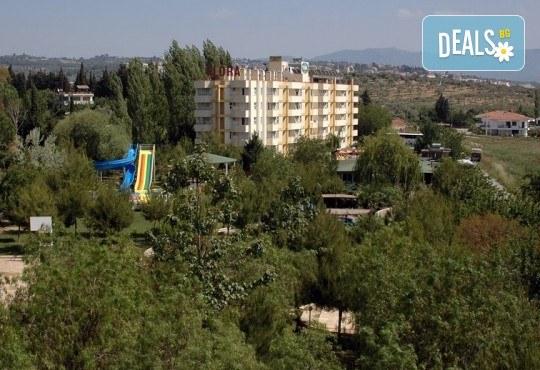 Лятна почивка в Кушадасъ, Турция! 7 нощувки на база All Inclusive във Flora Suites 3*, безплатно за дете до 12.99 г. - Снимка 7