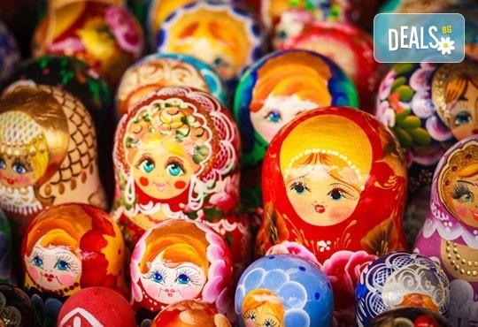 Опознайте красивата и необятна Русия с екскурзия до Санкт Петербург и Москва през юли! 7 нощувки със закуски, самолетен билет, трансфери и панорамни обиколки - Снимка 10
