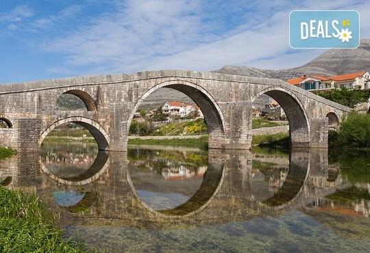 Екскурзия до Будва и Дубровник с посещение на Вишеград, Камен град, Мостар! 4 нощувки със закуски в Сараево, Требине и Будва, транспорт и водач - Снимка 7