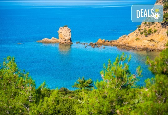 Мини почивка през септември на изумрудения остров Тасос, Гърция: 3 нощувки със закуски и вечери в хотел 3*, транспорт и водач! - Снимка 1