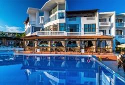 Септемврийски празници в Уранополис, Халкидики! 3 нощувки със закуски и вечери в Akti Ouranoupoli Beach Resort 4* и транспорт - Снимка