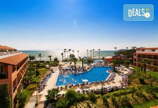 Лятна почивка в Кушадасъ, Турция: 5 нощувки на база All Inclusive в Ephesia Holiday Beach Club 4* от Глобул Турс! Безплатно за дете до 11 години! - Снимка 3