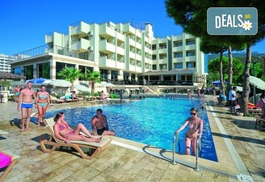 На море в Кушадасъ, Турция през септември: 5 нощувки на база All Inclusive в Akbalut Hotel & SPA 4* от Глобул Турс! Безплатно за дете до 11 години! - Снимка 3