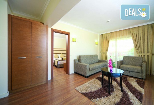 На море в Кушадасъ, Турция през септември: 5 нощувки на база All Inclusive в Akbalut Hotel & SPA 4* от Глобул Турс! Безплатно за дете до 11 години! - Снимка 5